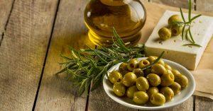 El aceite de oliva ayuda a desinflamar el cuerpo.