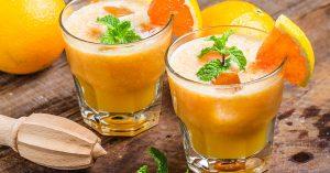La vitamina C ayuda a cicatrizar las heridas de los riñones.