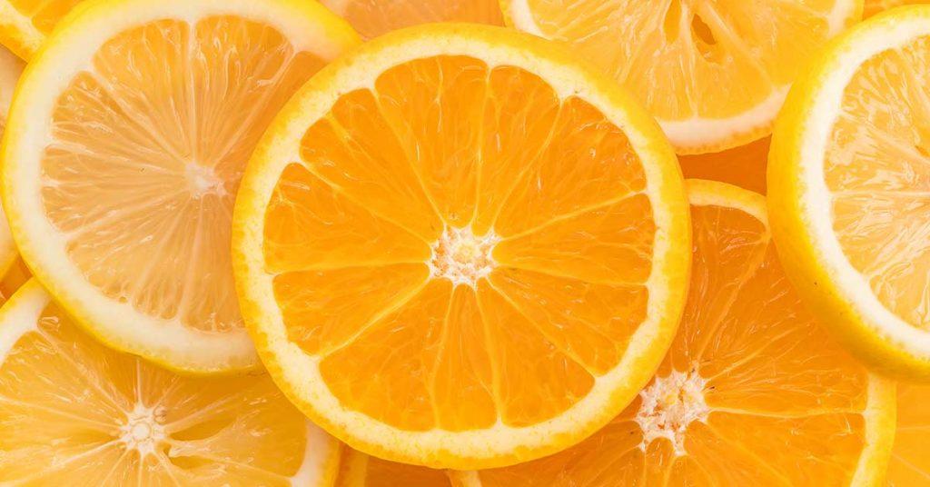 Puedes encontrar la vitamina A en alimentos de color naranja.