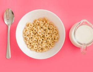 Algunos ingredientes presentes en los cereales desencadenan cáncer y tumores.