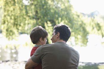 Cómo hablar de cáncer con tus hijos