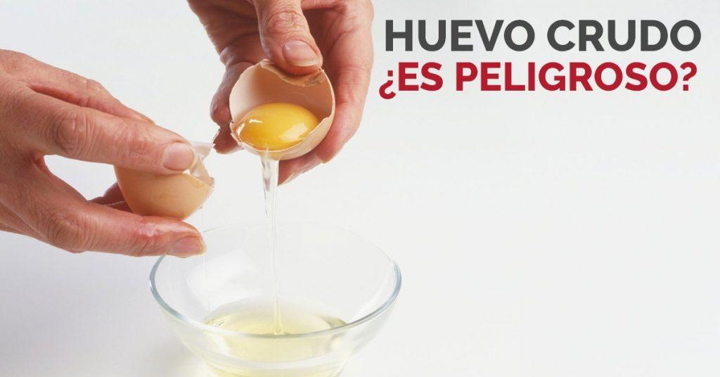 Peligros de comer huevo crudo