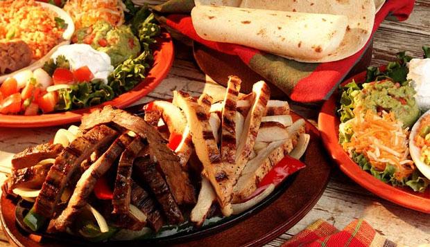 Evita alimentos grasosos en navidad